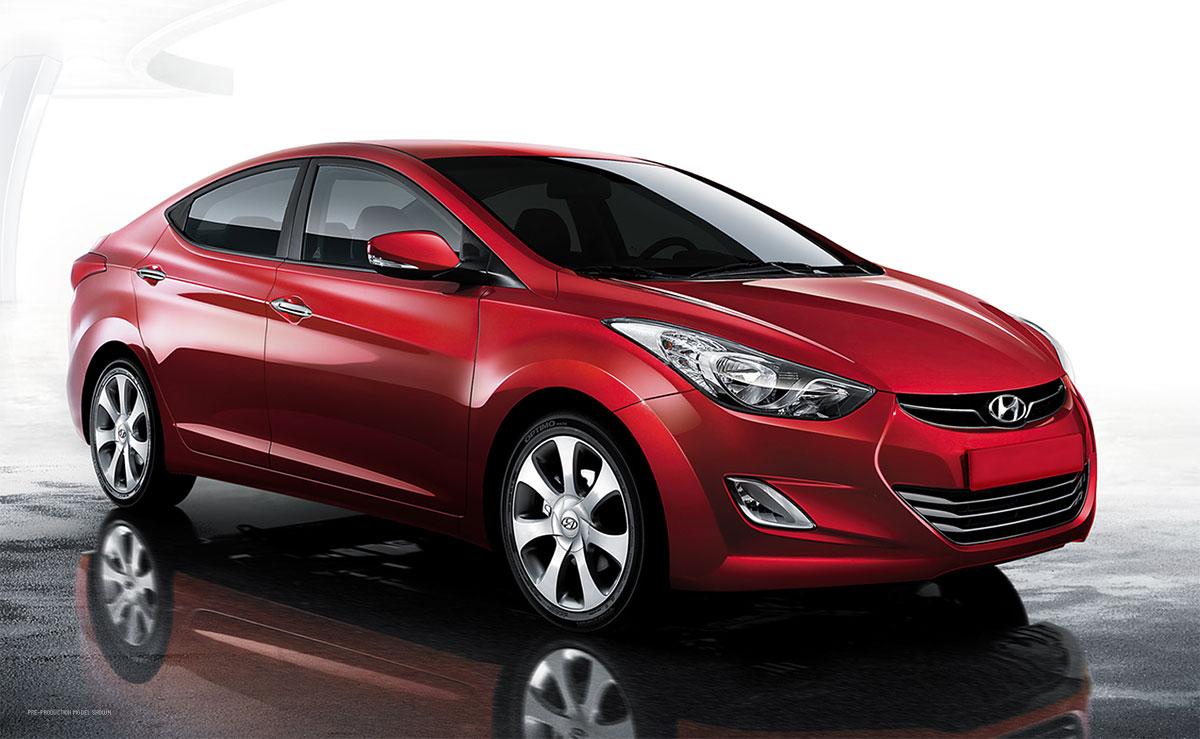 Kırmızı Hyundai Elantra